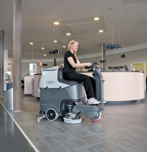 Nilfisk Advance BR 752 | Поломоечные машины с сиденьем для оператора | Поломоечные машины